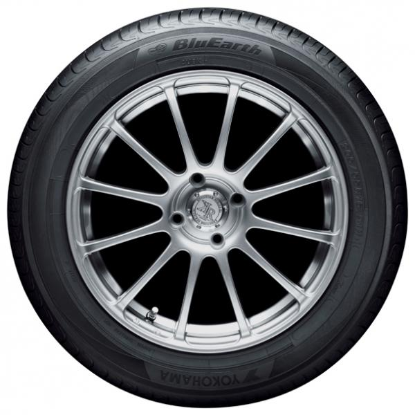 Шина Yokohama Blu Earth AE01 195/60 R15 88H